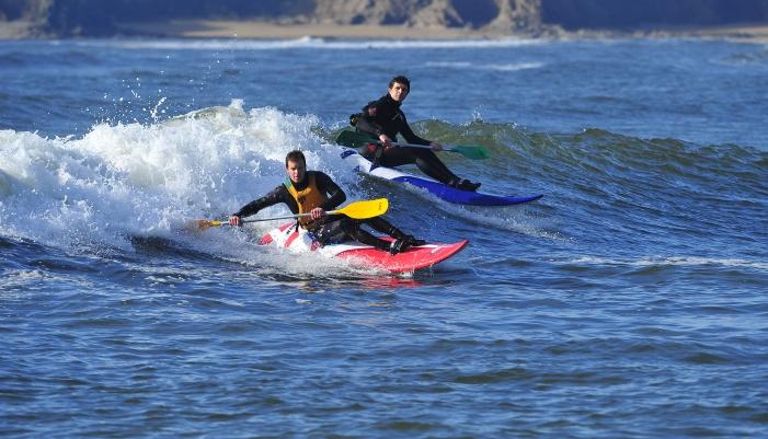 Surfer les vagues, waveski
